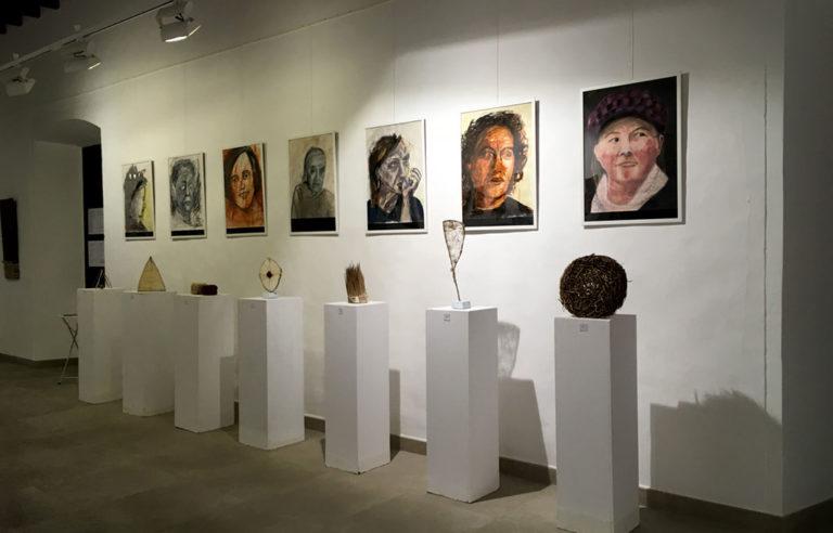 Die 7 Bilder und Objekte der Serie »Encuentro«
